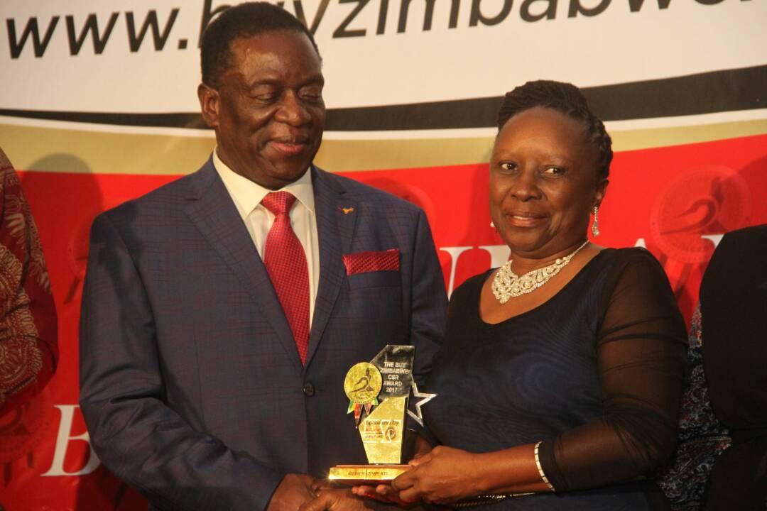 SIBUSISIWE CHINDOVE with PRESIDENT ED MNAGAGWA